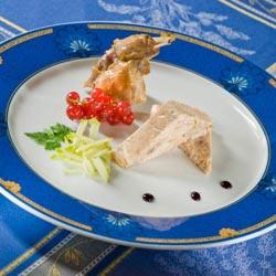 Rillettes de lapin maigre, salade de choux croquants