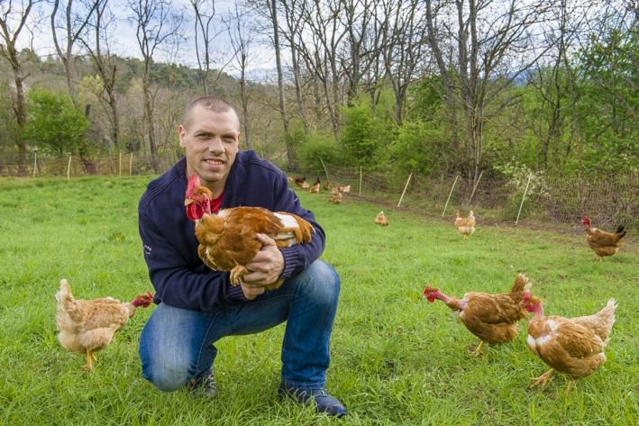Anthony Coffy, éleveur de volailles à Marminhac, Haute-Loire.