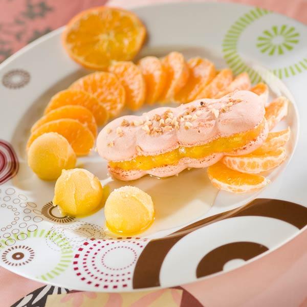Macaron mandarine, nage d'hypocras blanc | Cyril Zen