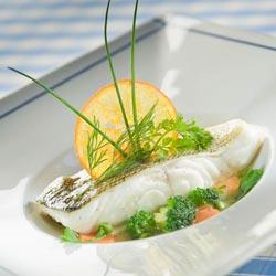 Pièce de cabillaud en nage de légumes, thym citron