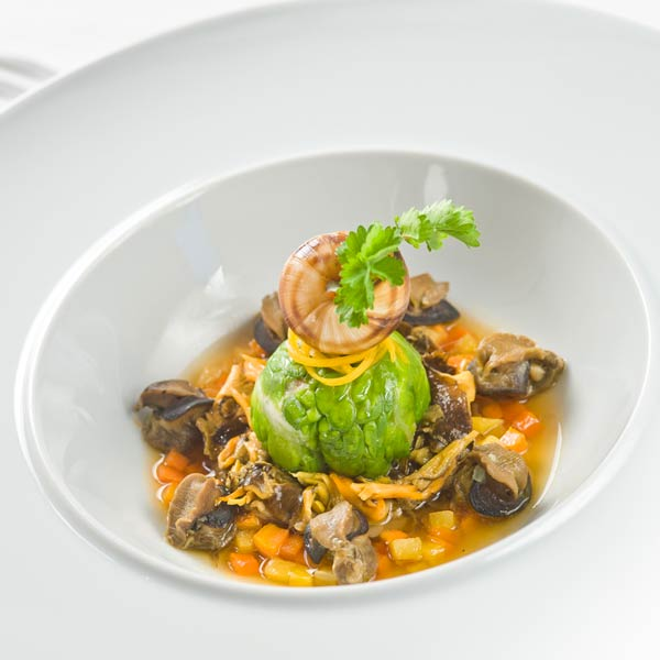 Pot-au-feu d'escargots aux champignons sauvages |Régis et Jacques Marcon
